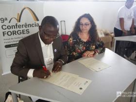 Assinatura de acordo de cooperação